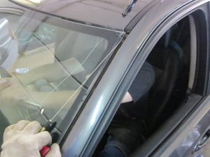 Замена стекол автомобиля своими руками — пошаговая инструкция замены стекла