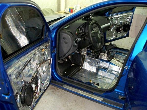 Как правильно сделать шумоизоляцию автомобиля и наслаждаться тишиной?